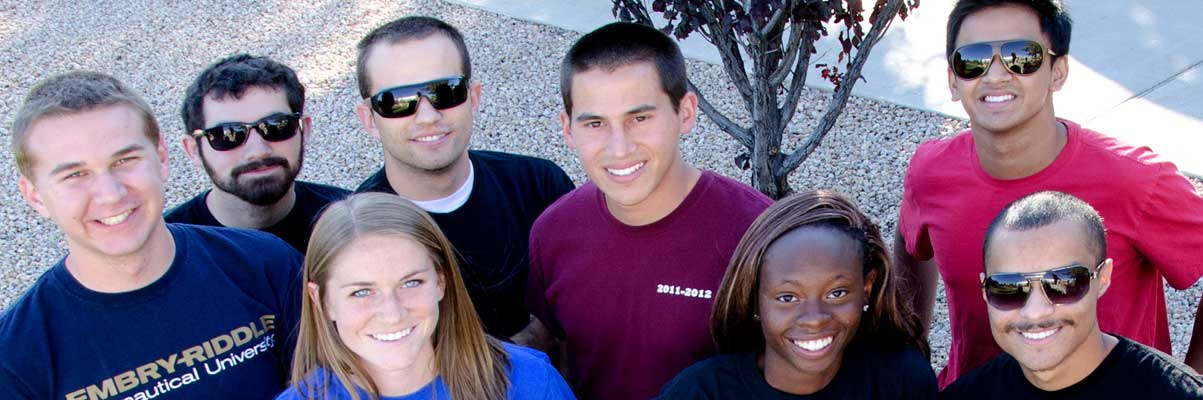 Embry-Riddle students pose for a picture.